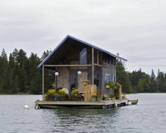Top 3 Small Floating Homes