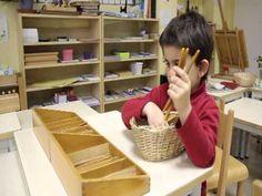 ▶ Une journée à la Maison des Enfants Montessori du Pré-Saint-Gervais et de Montreuil (93) - YouTube