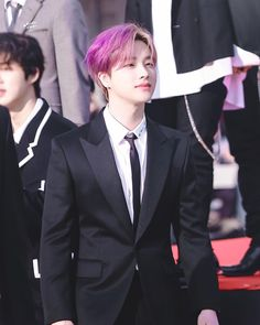 if jinhwan were to have a solo, what concept do you think it would be? Yg Entertainment, Ikon Member, Kim Jinhwan, Jay Song, Ikon Kpop, Ikon Debut, Ikon Wallpaper, How To Draw Hair, Amor