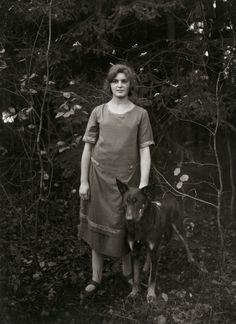 August Sander. Home Help. 1926