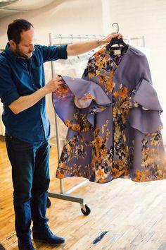Josep Font for Delpozo. Look Fashion, Fashion Details, Womens Fashion, Fashion Design, Fashion Trends, Couture Fashion, Hijab Fashion, Fashion Dresses, Iranian Women Fashion