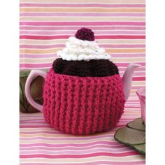 Cupcake Tea Cozy - super cute and would make a great gift - crochet