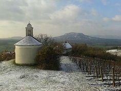Csobánc oldala, Szt Donát kápolna - fotó: Farkas Attila Hungary, Wine, World, Projects, Peace, The World