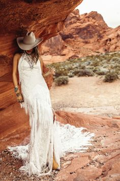 Rue De Seine Dallas from Rue De Seine Moonrise Canyon Collection. Staying true to the effortless, bohemian spirit, designer Michele McCorty found inspiration for her newest bridal collection in the American wild, wild west. Fringe Wedding Dress, Bohemian Wedding Dresses, Chic Wedding, Bridal Dresses, Wedding Gowns, Wedding Pics, Wedding Ideas, Dallas, Bohemian Bride