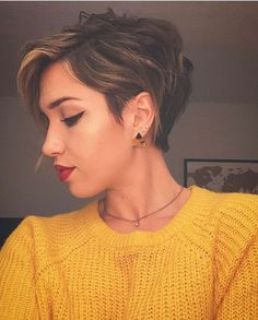 """How to style the Pixie cut? Despite what we think of short cuts , it is possible to play with his hair and to style his Pixie cut as he pleases. For a hairstyle with a """"so chic"""" and pointed… Continue Reading → Pixie Haircut For Thick Hair, Longer Pixie Haircut, Long Pixie Hairstyles, Short Pixie Haircuts, Trending Hairstyles, Women Pixie Haircut, Pixie Haircut Styles, Pixie Styles, Casual Hairstyles"""