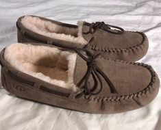 0210c94e956 17 Best Slippers images in 2019