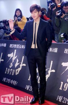 Lee Min Ho | Gangnam 1970 red carpet and showcase 01.06.2015 -- Oh yes, he is tall. And sooo sexy. So soo sexy.. i can't even breathe..