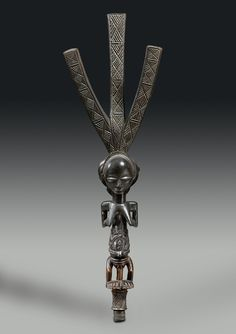 Luba Ceremonial Bow Stand - Attributed to The Master of Warua Luba peoples, Democratic Republic of the Congo Wood, metal Circa 1880 AD Height: cm Tom Phillips, African Sculptures, Art Africain, African History, Tribal Art, Republic Of The Congo, Metal Working, Auction, Africa