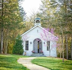 Beach Color Palettes, Outdoor Winter Wedding, Old Country Churches, Summer Wedding Colors, Cathedral Church, Church Building, House Tours, Gazebo, Outdoor Structures