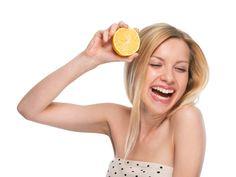 Vitamin C – The Secret Of Glowing Skin http://theblissbasket.com/vitamin-c-the-secret-of-glowing-skin/