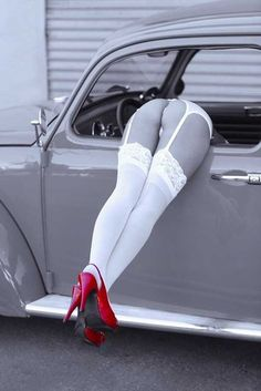 :::: PINTEREST.COM christiancross :::: http://img3.visualizeus.com/thumbs/10/07/03/beetle,legs,partial,desaturation,red,shoes,stockings-b3fc5f5f3213024d1971435d4416ef25_h.jpg