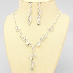Silver and Clear Enchanting Crystal Vine Leaf Necklace Set