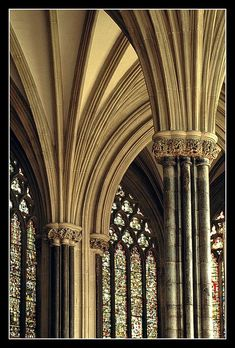 Somerset: Architecture, stained glass, Wells Cathedral, UK