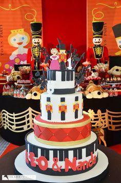 Toys party cake / www.happyfest.com.br
