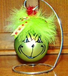 Grinch ornament idea for light bulb Clear Christmas Ornaments, Grinch Ornaments, Grinch Christmas, Christmas Holidays, Christmas Decorations, Ball Ornaments, Christmas Projects, Holiday Crafts, Holiday Fun