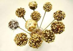 Dia das Crianças com sugestões Lowçucar | BOLO DE CHOCOLATE DIVINO (ZERO AÇUCARES)   Ingredientes - Massa:   6 ovos (300g) 1½ xícara (chá) de ADOÇANTE CULINÁRIA LOWÇUCAR (155g) 2 xícaras (chá) de farinha de trigo (240g) 3 colheres (sopa) de amido de milho (30g) ½ xícara (chá) de ACHOCOLATADO NEW CHOCO LOWÇUCAR DIET (50g) 1 embalagem de leite de coco light (200g)  1 xícara (chá) de óleo 2 colheres (sopa) de fermento químico em pó (24g)