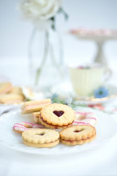 Classic British biscuits – Jammy Dodgers, Custard Creams and Party Rings | supergolden bakes