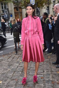 Giovanna Battaglia is seen arrivinga at Valentino show as part of the Paris Fashion Week Womenswear Spring/Summer 2018 on October 1 2017 in Paris...