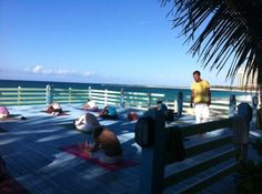 Sivananda Ashram Yoga Retreat: Yoga beach platform