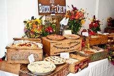 I love the idea of a pie bar for a grooms table!Juneberry Lane: Desserts For Fall: Butter Pecan Pumpkin Pie & A Pie Bar! Wedding Food Bars, Wedding Desserts, Wedding Ideas, Trendy Wedding, Fall Wedding, Pie Bar Wedding, Buffet Wedding, Wedding Bells, Dream Wedding