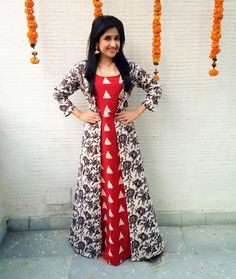 Lovely Dresses, Simple Dresses, Dresses For Work, Cheap Short Prom Dresses, Cotton Gowns, Dress Design Sketches, Indian Attire, Indian Designer Wear, India Fashion