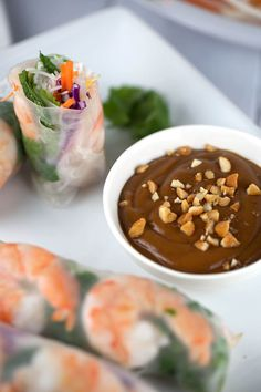 Fresh Shrimp Spring Rolls with Hoisin Peanut Dipping Sauce - A refreshing and delicious appetizer recipe. Each roll is filled with healthy crisp vegetables and herbs Shrimp Spring Rolls, Chicken Spring Rolls, Shrimp Recipes, Sauce Recipes, Cooking Recipes, Shrimp Dishes, Healthy Crisps, Healthy Snacks, Healthy Recipes
