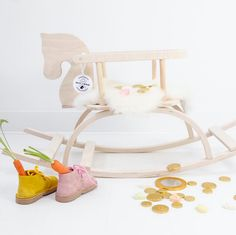 Prachtig Sint cadeau! Hobbelpaard van Petit Puk   Via blog kinderkamerstylist.nl