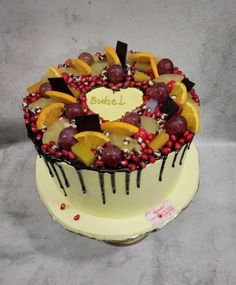 Fresh and Fruity by Michelle's Sweet Temptation Chocolate Drip Cake, Mango Cake, Cupcake Cookies, Cupcakes, Wedding With Kids, Drip Cakes, Occasion Cakes, Quick Easy Meals, A Food