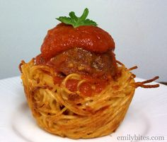 Emily Bites - Weight Watchers Friendly Recipes: Spaghetti & Meatball Cups