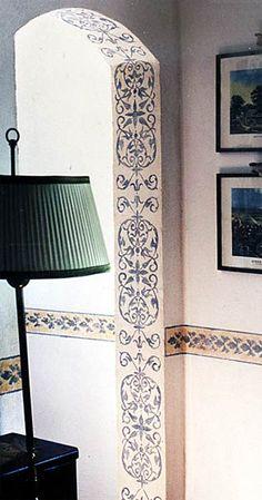 Beautiful filigree look....interior door frame stencil or paint