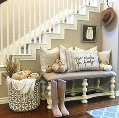 43 Amazing Farmhouse Foyer Decorating Ideas 47 2016 Farmhouse Fall Decorating Ideas Home Bunch Interior Design Ideas 2 Room Ideias, Hallway Decorating, Decorating Ideas, Decor Ideas, Autumn Decorating, Pumpkin Decorating, My New Room, Home Projects, Farmhouse Decor