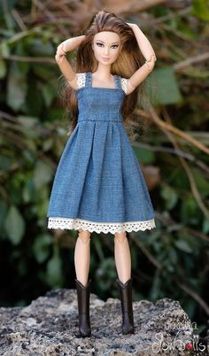 Sewing Barbie Clothes, Barbie Sewing Patterns, Crochet Doll Clothes, Doll Clothes Patterns, Diy Clothes, Pictures Of Barbie Dolls, Barbie Et Ken, Barbie Fashionista, Barbie Dress
