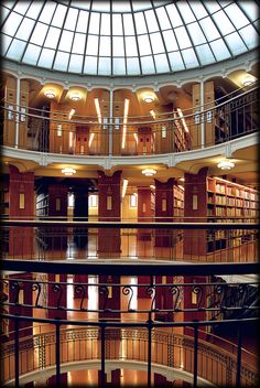 Biblioteca de Helsinki, Finlandia / Library of Helsinki, Finland