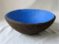 een grotere schaal, ∅ 26 cm, past bij de andere 3,    €15