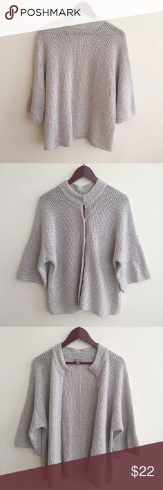 """💋J.Jill 3 Quarter Sweater Cardigan💋 Excellent condition like new  Measurement approx.   26"""" length 24"""" pit to pit  18"""" sleeve  No trade no modelling   :027: J. Jill Sweaters Cardigans"""