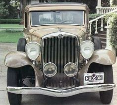 Google Image Result for http://static.ddmcdn.com/gif/1932-hudson-greater-eight-standard-special-coupe-1.jpg