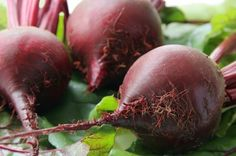 Beets are one of those vegetables you can eat raw or cooked. Surprisingly most people dont enjoy the powerful health benefits of beets. Beet Recipes, Real Food Recipes, Healthy Recipes, Vitamix Recipes, Water Recipes, Detox Recipes, Clean Recipes, Healthy Foods, Kitchen