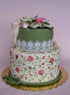 www.cakecoachonline.com - sharing... Vintage style cake | Flickr - Photo Sharing!