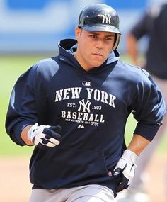 Russell Martin <3 he may be a yankee now but he looks sexxy In ANY blue ;)