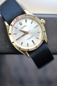 Grosgrain watch band for casual days, simple yet classy.