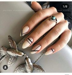 Nail art Christmas - the festive spirit on the nails. Over 70 creative ideas and tutorials - My Nails Dream Nails, Love Nails, Pretty Nails, Fun Nails, Minimalist Nails, American Nails, Uñas Fashion, Geometric Nail, Halloween Nail Art