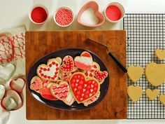 How to Make Beautiful Valentine's Day Sugar Cookies