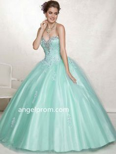 Ball Gown Sweetheart Sleeveless Tulle Quinceanera Dresses With Beaded