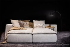 Funktion: das Anbau-#Sofa wird  ganz einfach nach vorne gedreht und man erhält eine großzügige Liegefläche.