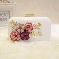 8afe96ea2d BEARBERRY 2017 high quality handmade flower evening clutch bags fashion Party  Clutch Purse Wallet wedding dinner