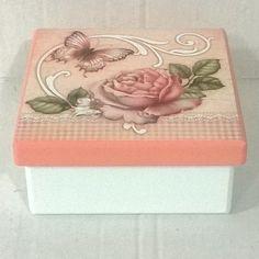 Caja rosa Decoupage Tutorial, Decoupage Paper, Cigar Boxes, Treasure Boxes, Stencils, Decorative Boxes, Shabby Chic, Scrap, Knitting