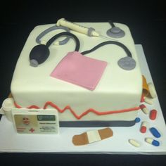 Doctor cakes on Pinterest Nurse Cakes, Medical Cake and Doctor Cake