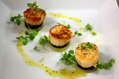 Starter: Scallops with Black Pudding
