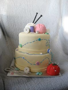 Birthday knitting cake - I would love this to celebrate my on May Pretty Cakes, Cute Cakes, Beautiful Cakes, Amazing Cakes, Take The Cake, Love Cake, Sewing Cake, Sewing Box, Knitting Cake