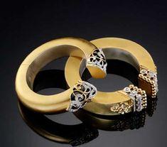 The Signature collection - Gold cuffs by Poonam Soni Gold Chain Design, Gold Bangles Design, Gold Jewelry, Jewelery, Jewelry Accessories, Jewellery Diy, India Jewelry, Diamond Jewelry, Hand Bracelet